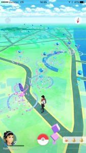 画面中央少し右奥に見えるのがキャナルシティ博多
